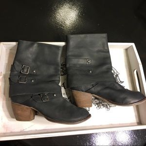 Mia Limited Edition leather boots